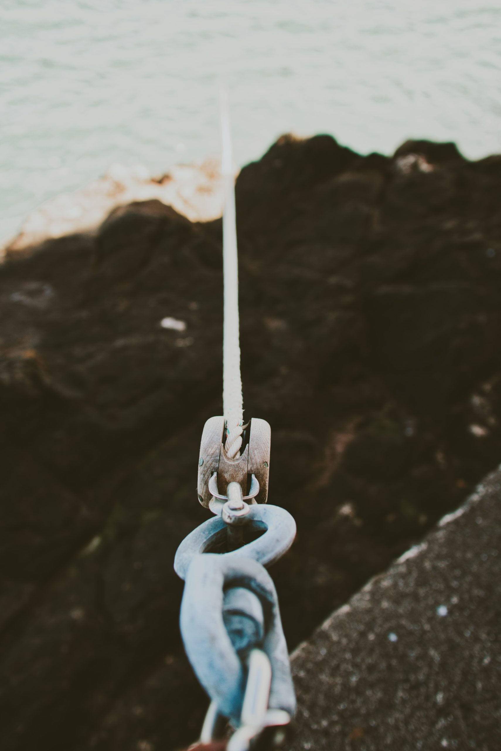 Ropes: A New Guide For Climbers And Mountaineers