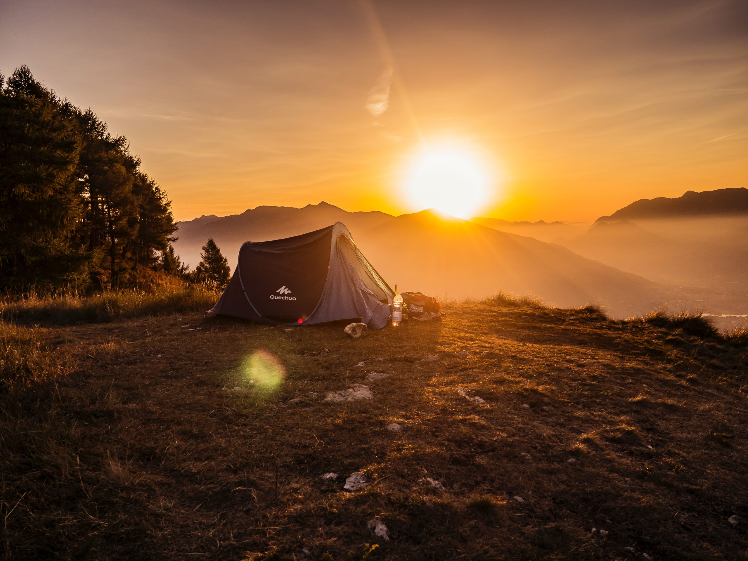 Camping in the USA offers opportunities for everyone from the retired military to school groups. The best time to visit is between September and May.