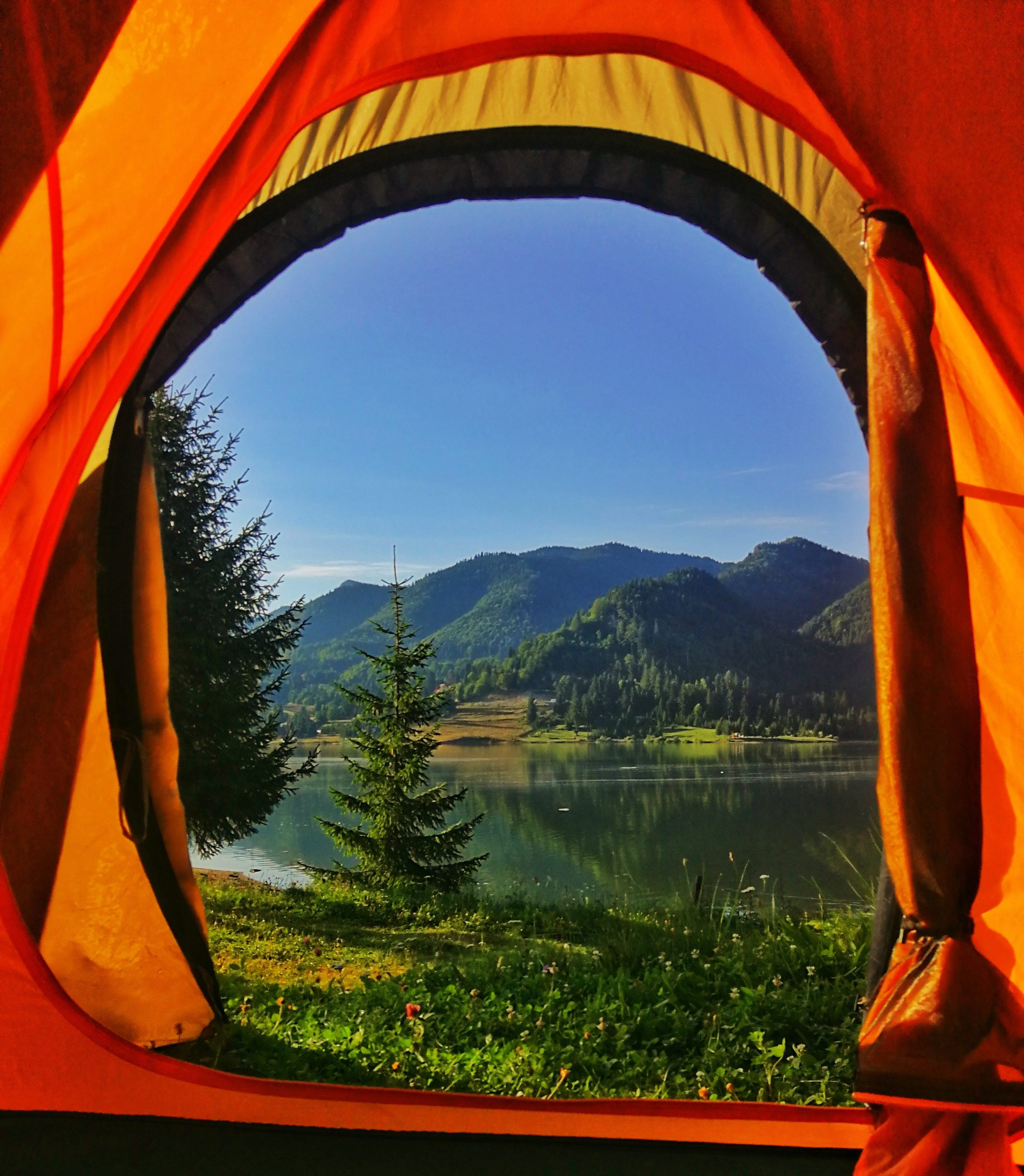 Perfect Place For The Campsite: How To Decide?