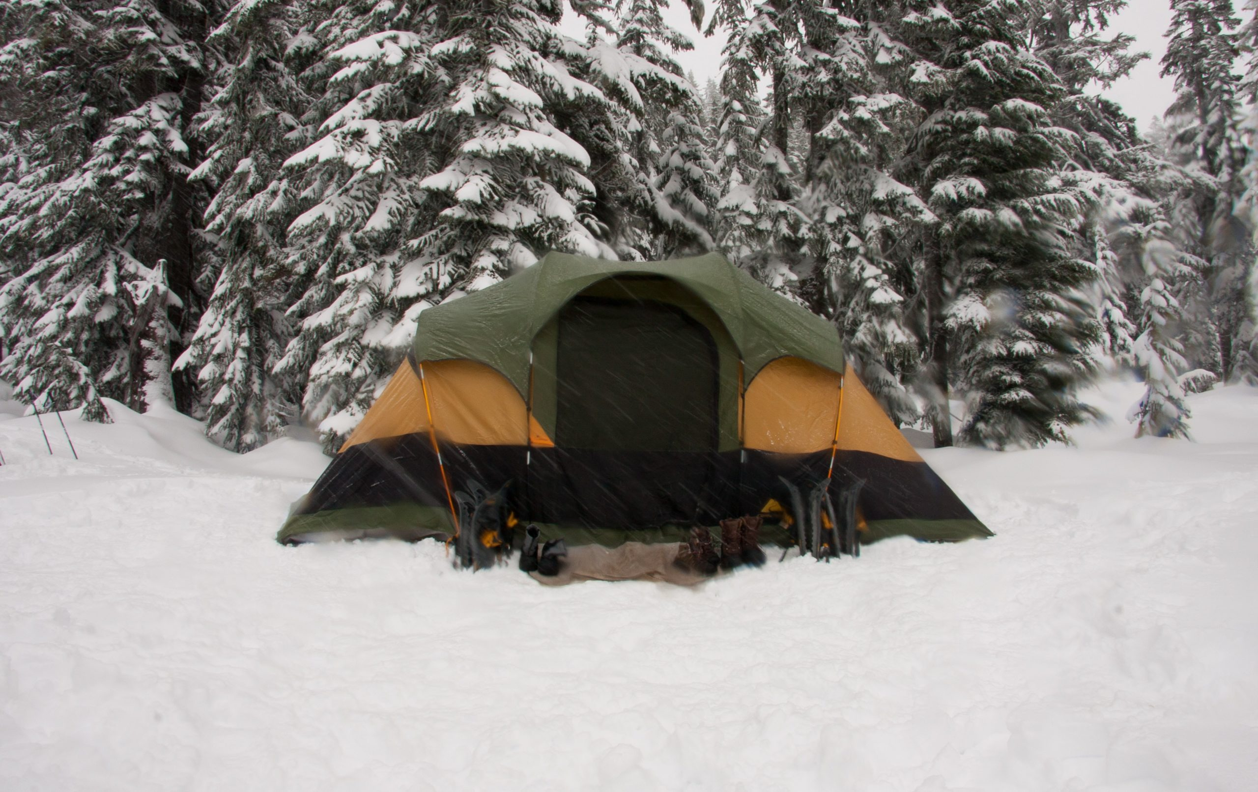 Helpful Tips For Camping In Winter